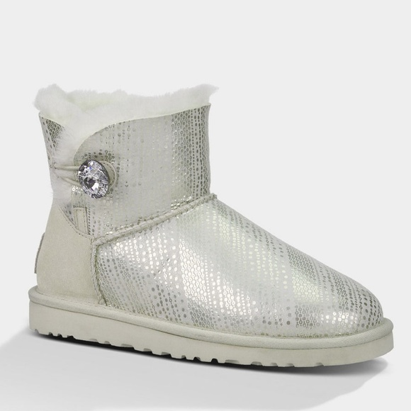 4293d2f7928 UGG Mini Bailey Button Bling Boots Silver Sz 9